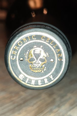 Chronic Cellars, Suite Petite, Petit Sirah blend, 14%, Paso Robles, Californien.